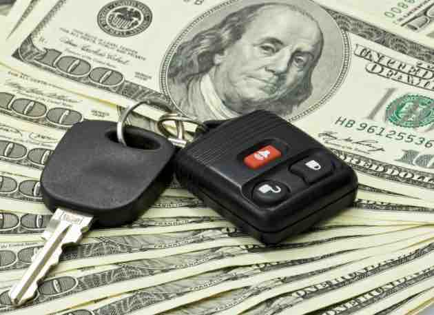 car key over hundred dollars bills